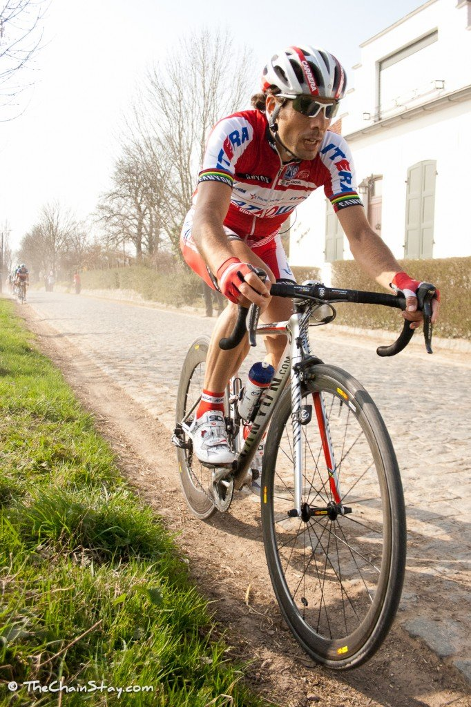 Oscar Feiere riding over the Taaienberg in the E3 Harlebeke in Belgium