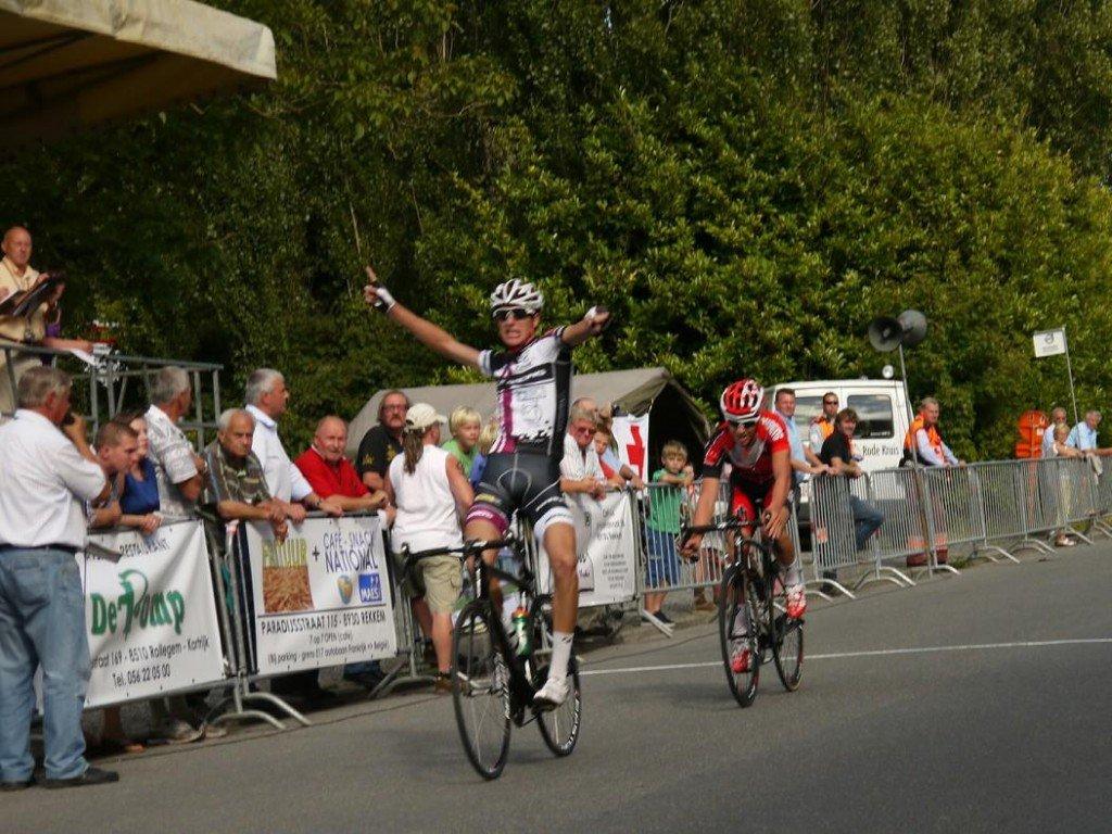 Noah Granigan wins the Lauwe Kermis bicycle race in Belgium